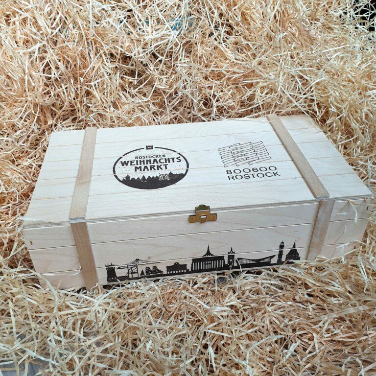 Dekorative Holzgeschenkbox